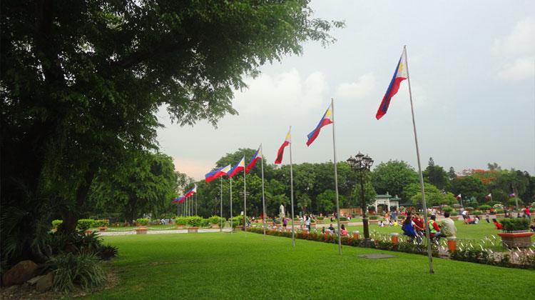 luneta-park-philippines