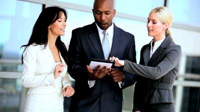 male-female-business-executives