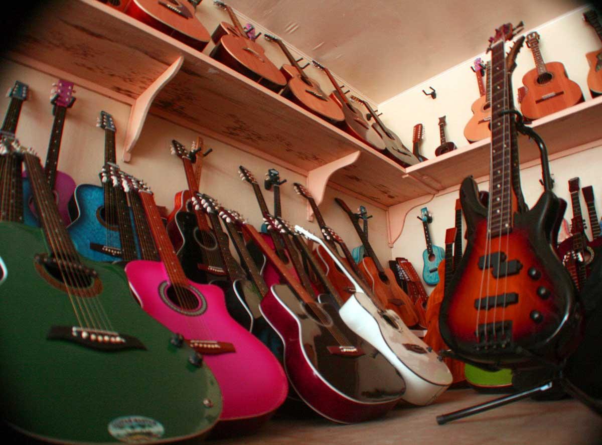 Buy a Guitar lapu-lapu-guitars