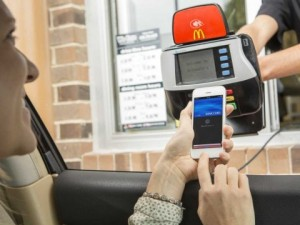 apple-pay-iphone-6-mcdonalds-drive-through