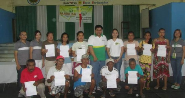 Awarding of MDR to NHTS Families PhilHealth Beneficiaries