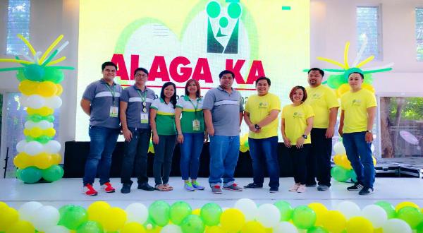 "PhilHealth holds ongoing ""Alaga Ka"" Activity in Bataan"