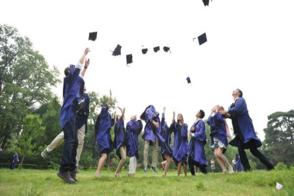 fresh-graduates