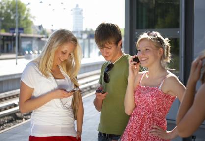 happy-teenagers
