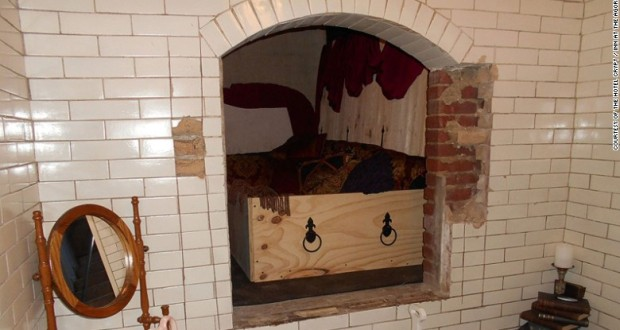 Not for the Faint-hearted, Crypt Hotel Opens