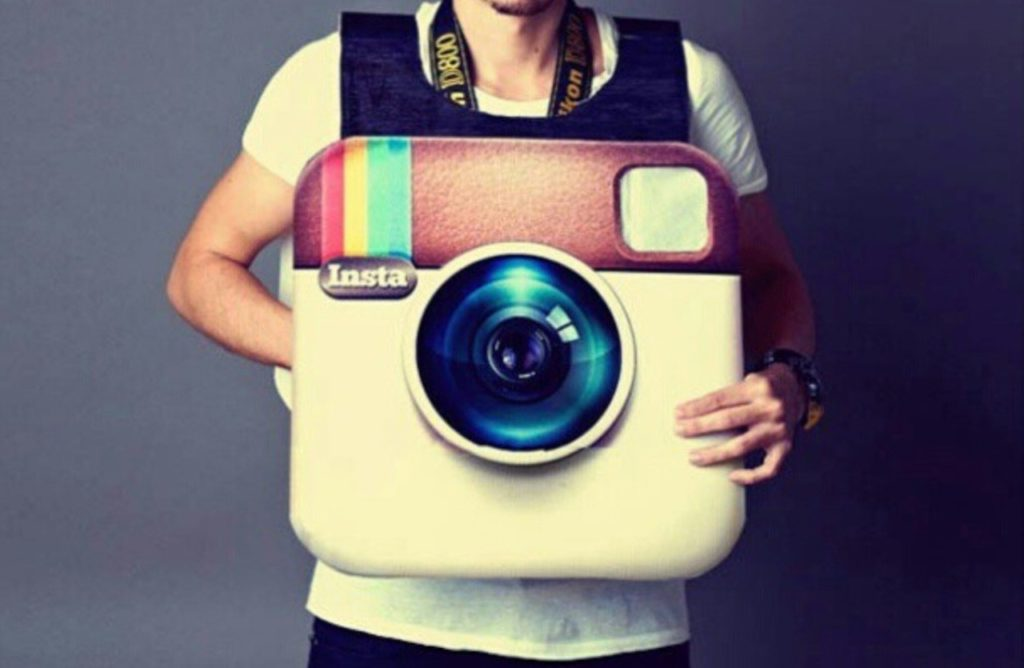 follow-poster-instagram