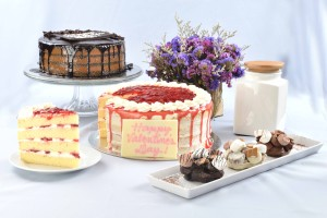 Sweets for your Sweet - Cravings Naked Strawberry    Shortcake,Naked Chocolate Caramel Cake and Heart-shaped S_mores