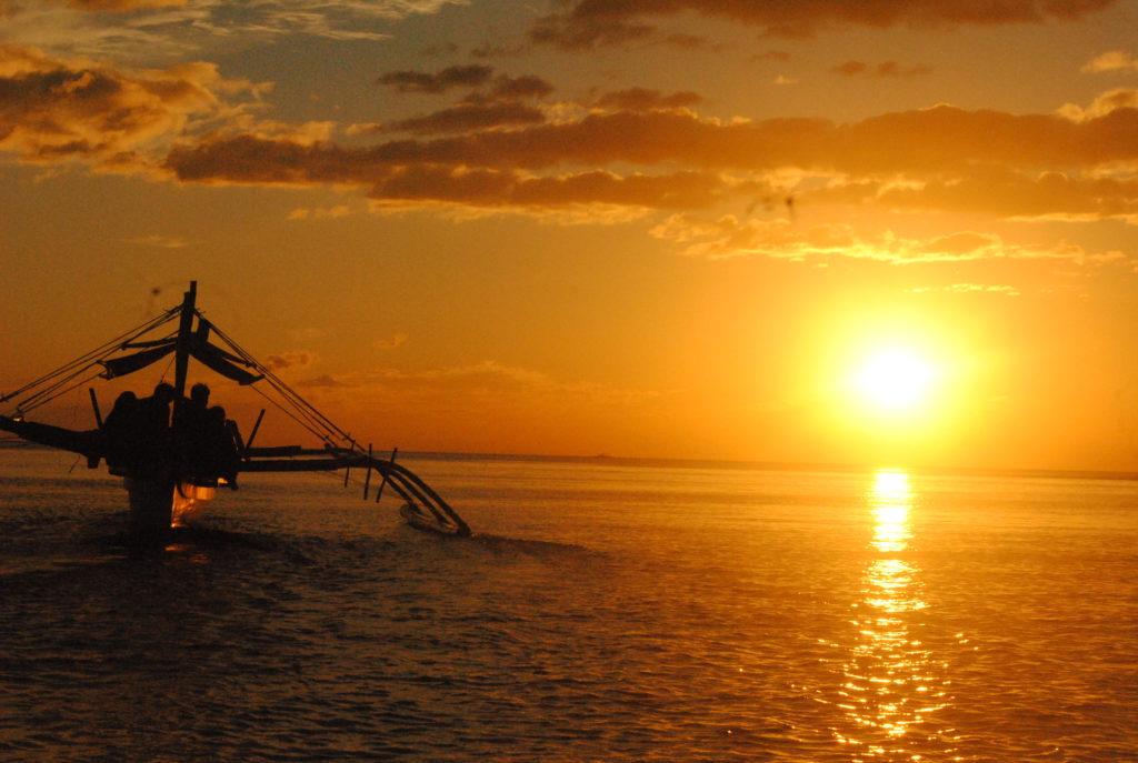 anawangin, zambales, sunset