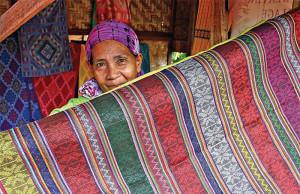 yakang yaka, yakan weaver, weaving, hand weaved products, mandala park