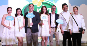Get ready to #GetReal! Here to #LetInTheGoodness with Asia's very first REAL cheese spread, Arla Cheesy Spread, are Real Food Advocates: Danica Sotto – Pingris, Rica Peralejo – Bonifacio, Amanda Griffin – Jacob, Chef Gino Gonzalez, Chef China Cojuangco - Gonzalez with Arla's Senior General Manager for Philippines, Vietnam & Thailand Jens Christian Krogh Nielsen and Arla's Marketing Director Paolo Serrano