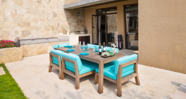 Executive Leisure: 4 Different Types of Outdoor Tiles for your Home