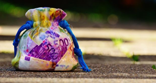 how-to-save-money, savings, save-money, money-tips, tips-to-save-money, best-way-to-save-money, saving-money-challenge, 52-week-money-saving-challenge, 52-weeks, 12-month-challenge