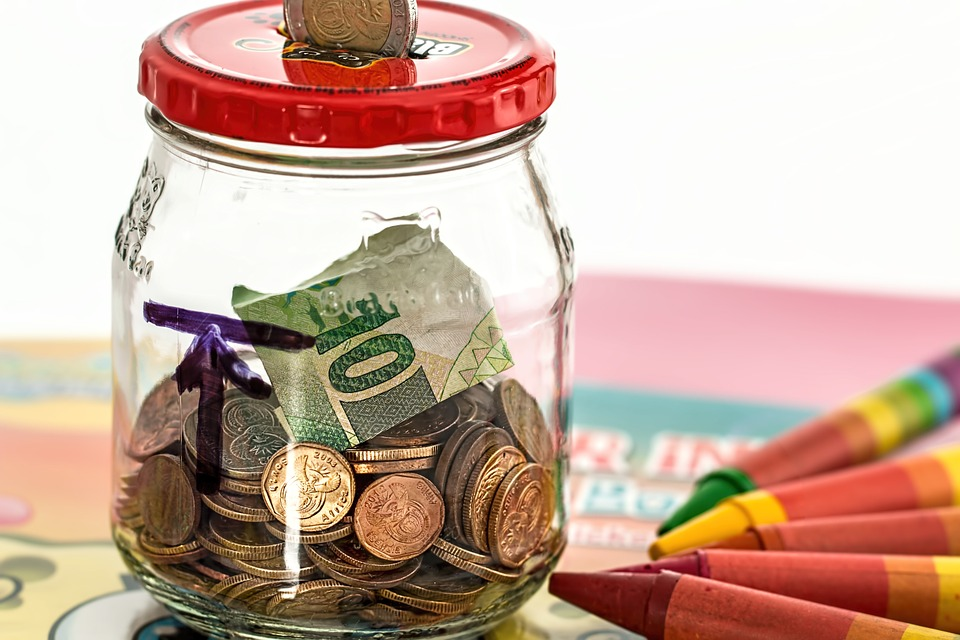 what-to-do-with-your-money, money-lessons, money-hacks,piggy-bank