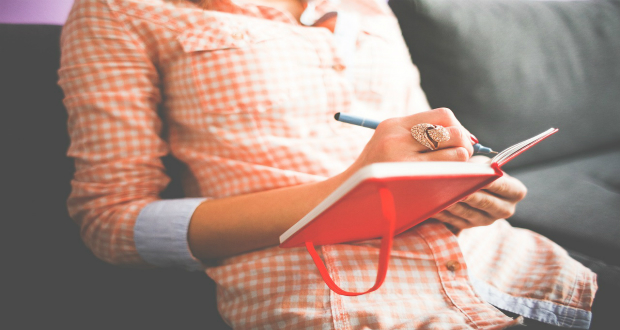 Why-You-should-keep-a-journal, journalism, writing-on-a-diary, keeping-a-journal