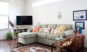 living_room_cushions
