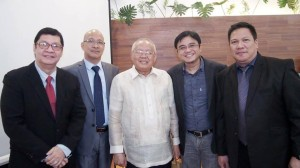Microinsurance is now available through online payment facilities, made available by Heartshaper Asia (a member of the Philippine Insurers Club) shown here (2nd from right, beside PIC Director Elvis Reyes, rightmost). Also in photo are (from left): Bernard Reyes (VP-Western Guaranty), Danny Soan (Linerty Insurance VP and PIC past president), and Emmanuel Dooc (Commisioner, Philippine Insurance Commission).