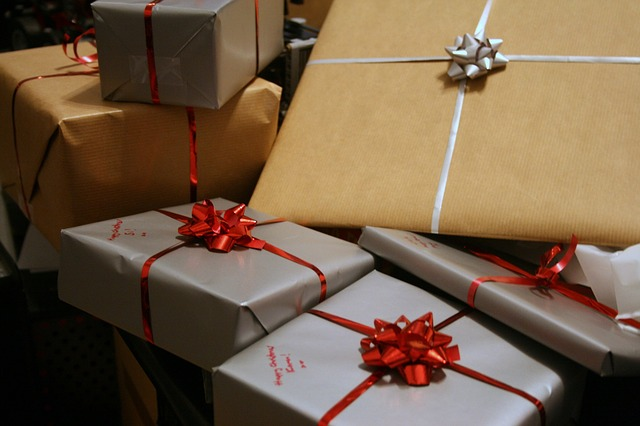 How-To-Earn-Extra-Money-During-the-Holidays, earning-a-little-extra-during-Holidays, earning-money-during-Christmas-season