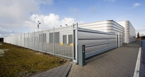 What Is a Cantilever Automated Gate and How Its Working?