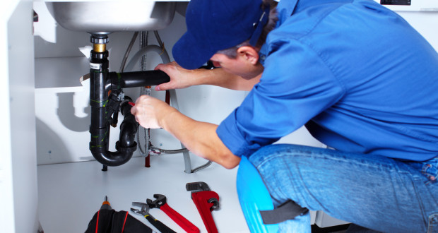 7 Steps to Handle a Plumbing Emergency When It Happens