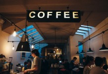 customer-relationship-coffee-shop