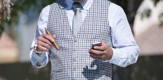 businessman-fashion-man-person-tax-tips-2017-negosentro