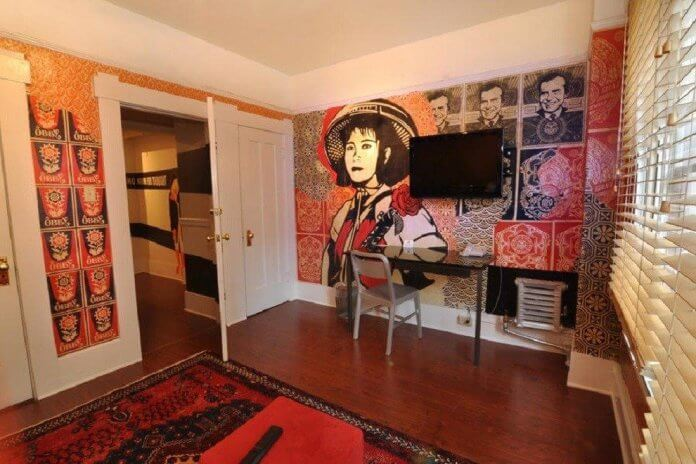 Hotel-des-Arts-painting-mural