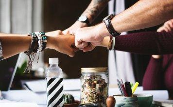 Saas Tools Teamwork Make the Dream Work Rewarding Your Employees team building australia non-profit