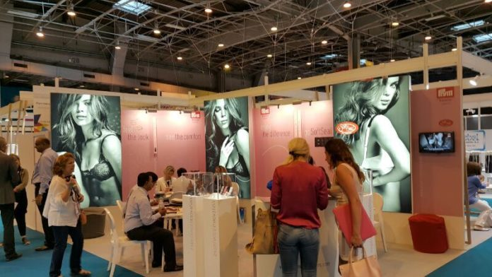 Trade Show Displays How Effective are Trade Shows as Marketing Tool paris trade show