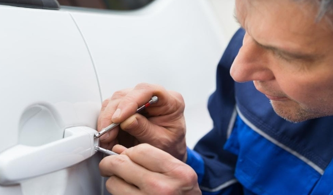 The key difference between an auto locksmith and a traditional one What Are the Benefits of Automotive Locksmith Services? 2020 - Negosentro