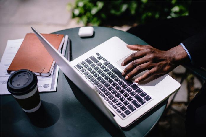 How To Manage Remote Employees - Negosentro