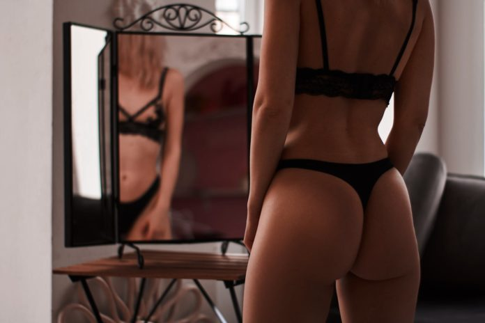 4 Reasons Wearing Sexy Lingerie Powers You up for the Day