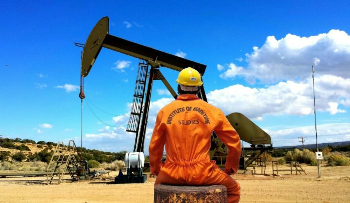 What Job Roles Can an Oil and Gas Recruiter